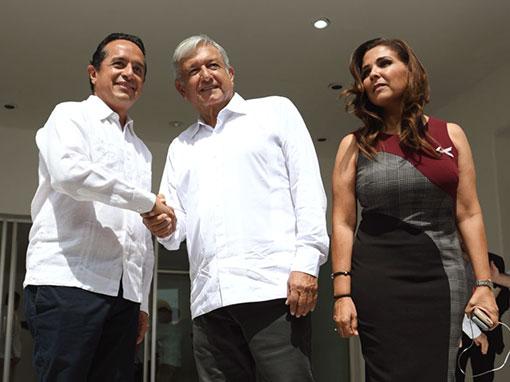 AMLO, Carlos Joaquón González y Mara Lezama